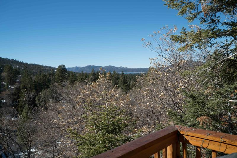 4BR/3BH - Ski Slopes, Lake and Sunset Views - Image 1 - Big Bear Lake - rentals