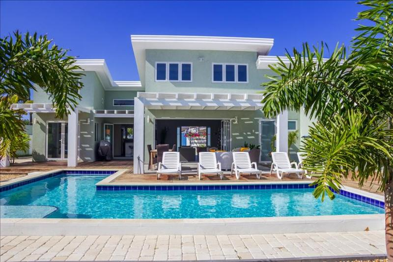 Beatiful Villa  located in the prestigious area of Malmok, only steps away from the beautiful Malmok - Image 1 - Noord - rentals