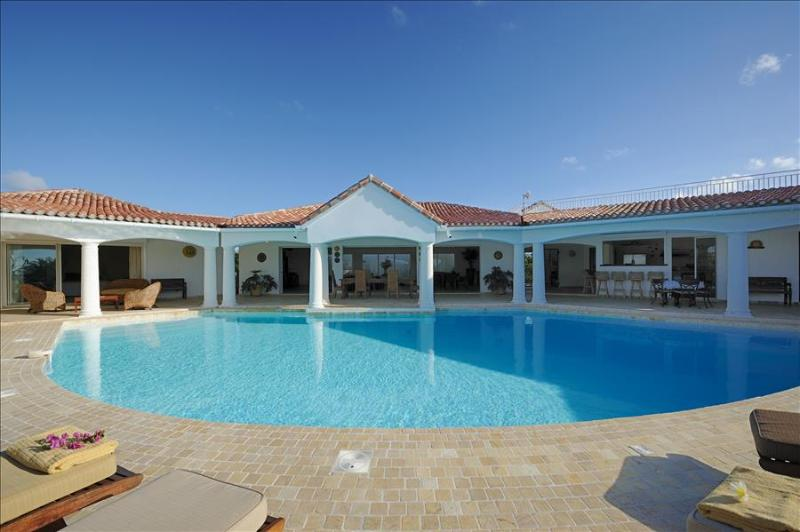 Prestigious 4+1 bedroom villa walking distance from Plum Bay beach. - Image 1 - Saint Martin - rentals