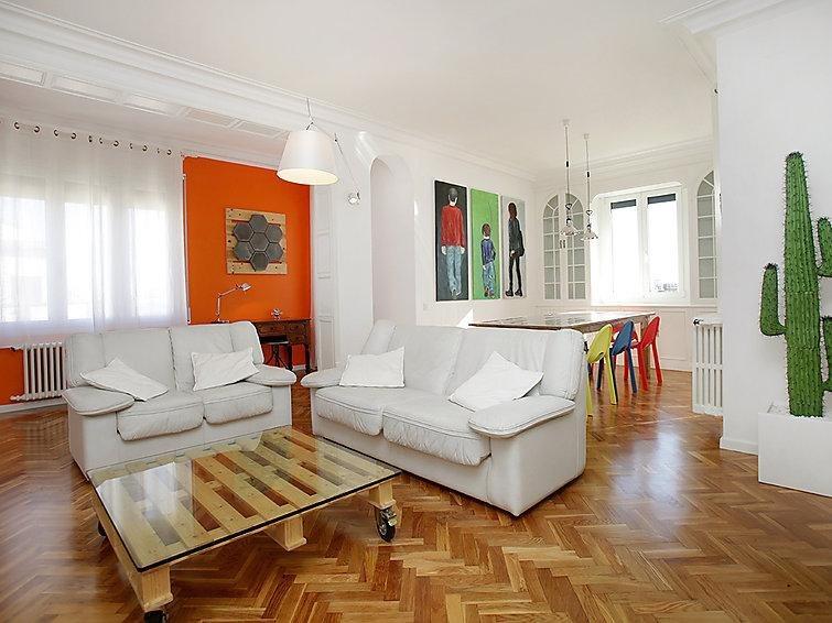 4 bedroom Apartment in Barcelona, Spain : ref 2217633 - Image 1 - Barcelona - rentals