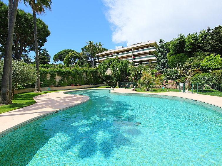 2 bedroom Apartment in Cannes, Cote d'Azur, France : ref 2008332 - Image 1 - La Bocca - rentals