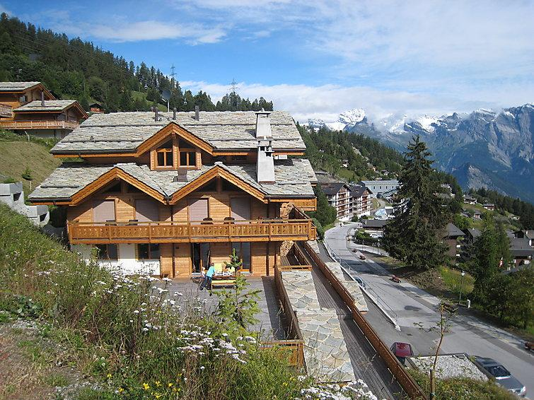 4 bedroom Apartment in La Tzoumaz, Valais, Switzerland : ref 2296584 - Image 1 - La Tzoumaz - rentals