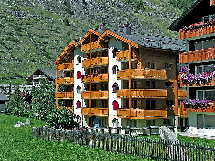 3 bedroom Apartment in Zermatt, Valais, Switzerland : ref 2297463 - Image 1 - Zermatt - rentals