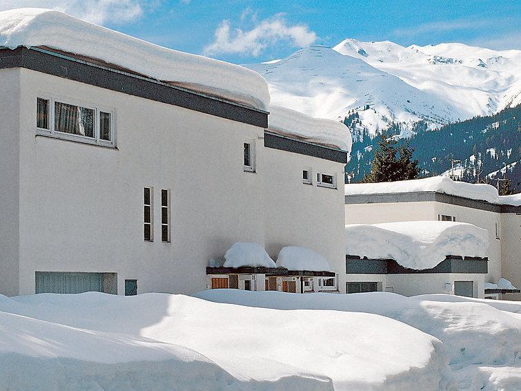 3 bedroom Villa in Davos, Praettigau Landwassertal, Switzerland : ref 2298340 - Image 1 - Davos - rentals