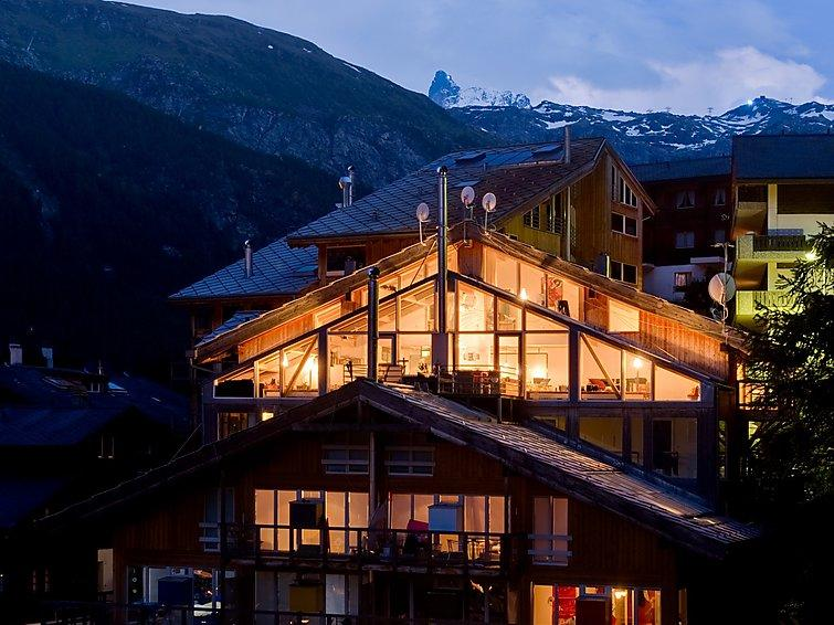 4 bedroom Apartment in Zermatt, Valais, Switzerland : ref 2300704 - Image 1 - Zermatt - rentals