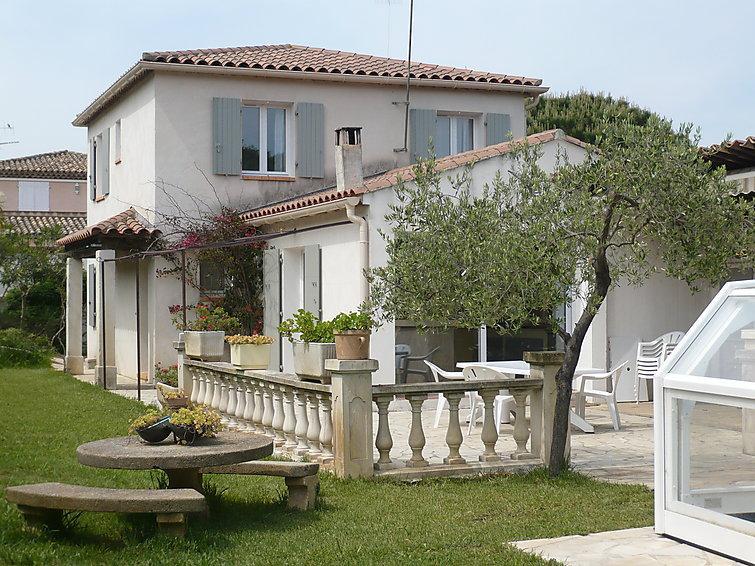 4 bedroom Villa in Sainte Maxime, Cote d'Azur, France : ref 2015675 - Image 1 - Saint-Maxime - rentals