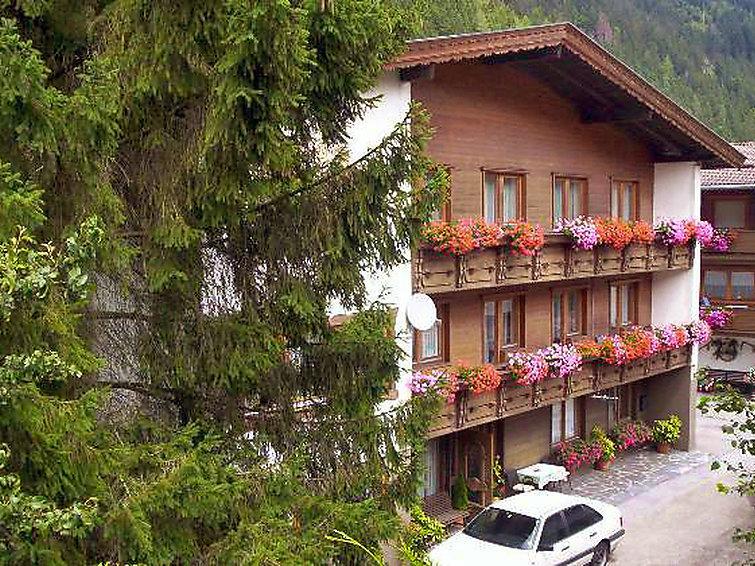 10 bedroom Villa in Mayrhofen, Zillertal, Austria : ref 2295079 - Image 1 - Mayrhofen - rentals