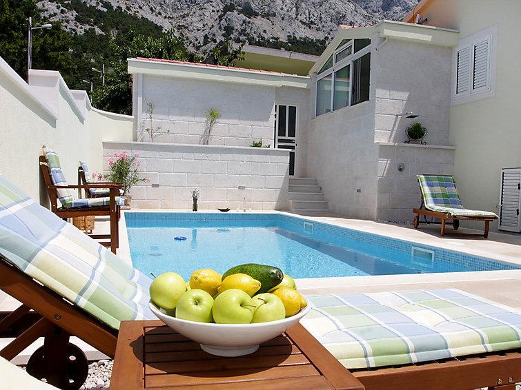 4 bedroom Villa in Baska Voda, Central Dalmatia, Croatia : ref 2218758 - Image 1 - Basko Polje - rentals