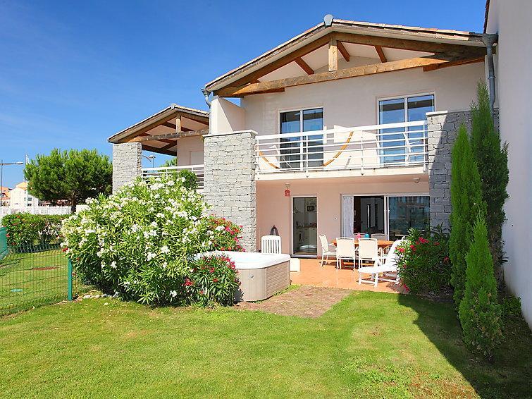 3 bedroom Villa in Cap d'Agde, Herault Aude, France : ref 2008208 - Image 1 - Cap-d'Agde - rentals