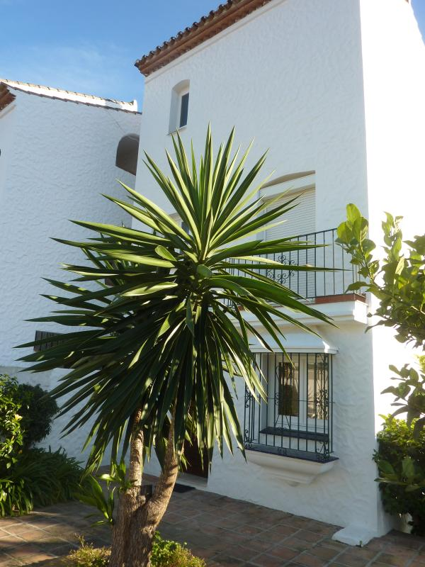 P1060147 - 3 bed Townhouse in El Paraiso - Estepona - rentals