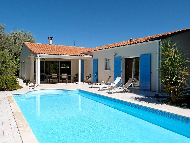 4 bedroom Villa in Ile d Oleron, Poitou Charentes, France : ref 2217013 - Image 1 - Saint-Trojan les Bains - rentals