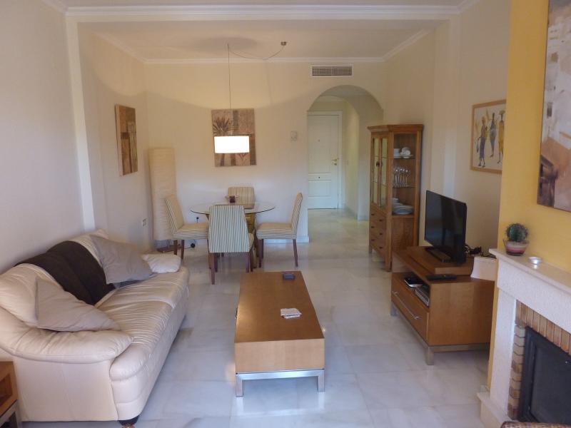 P1050845 - Luxury 3 bedroom apartment - Estepona - rentals