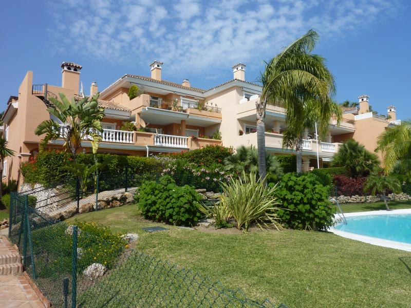 P1050986 - 2 Bed Apt in Park Beach - Estepona - rentals