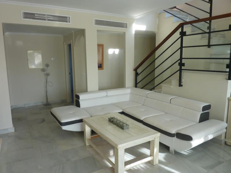 P1050715 - Luxury 3 bedroom Penthouse - Estepona - rentals