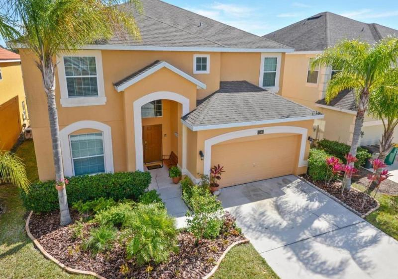Stunning 6bed 4.5 bath villa, gated, fitness equip - Image 1 - Kissimmee - rentals