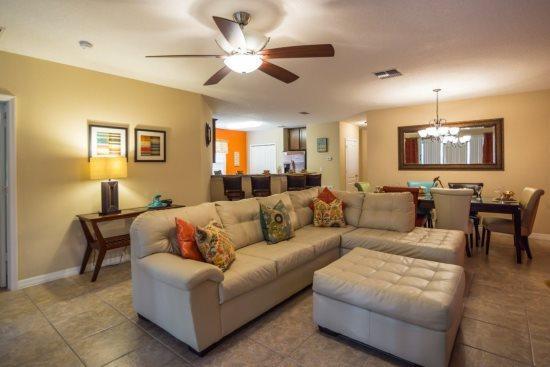 Spacious 5 Bedroom 4 Bath Pool Home in Calabria Community is a Vacation Dream ! 9047PP - Image 1 - Orlando - rentals