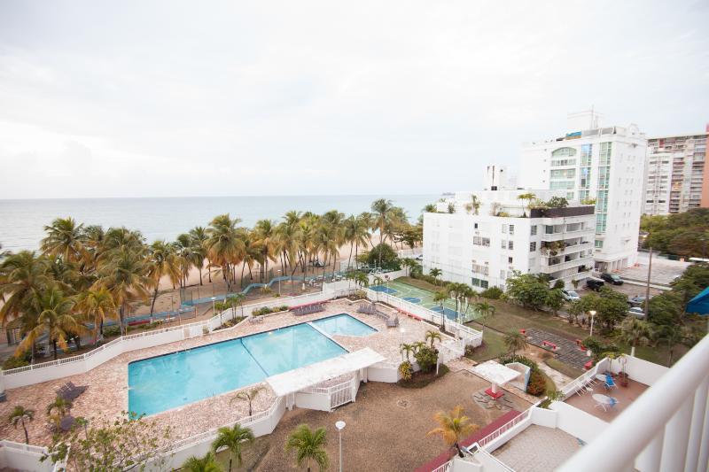 Bright 2 Bedroom Apartment in Isla Verde - Image 1 - San Juan - rentals