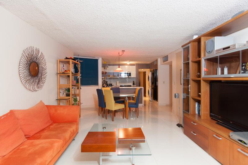 Bright 3 Bedroom Apartment in Isla Verde - Image 1 - San Juan - rentals
