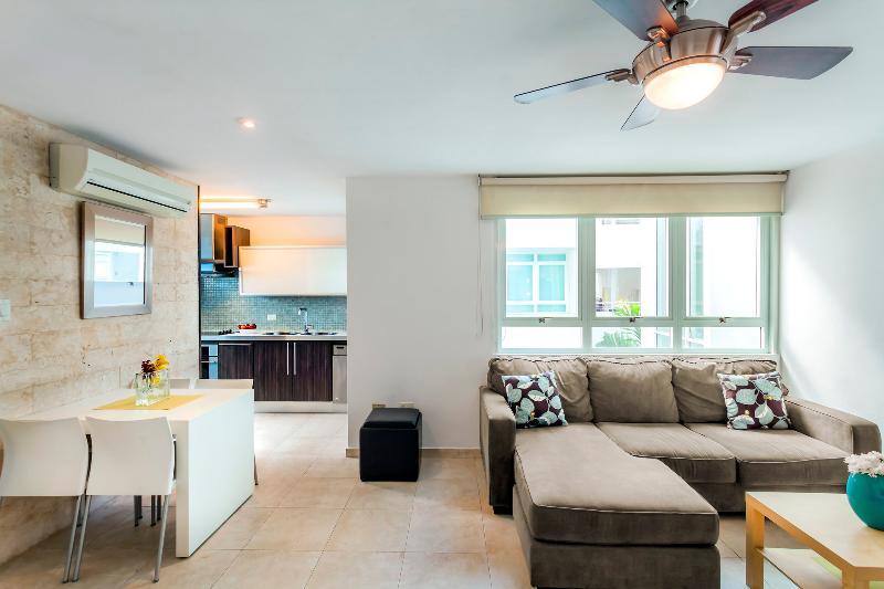 Great 1 Bedroom Apartment in Condado - Image 1 - San Juan - rentals