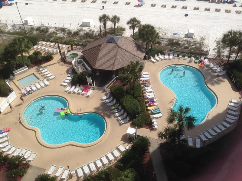 Enjoy the resort like grounds and amenities at Summerhouse. - O's Condo - Panama City Beach - rentals