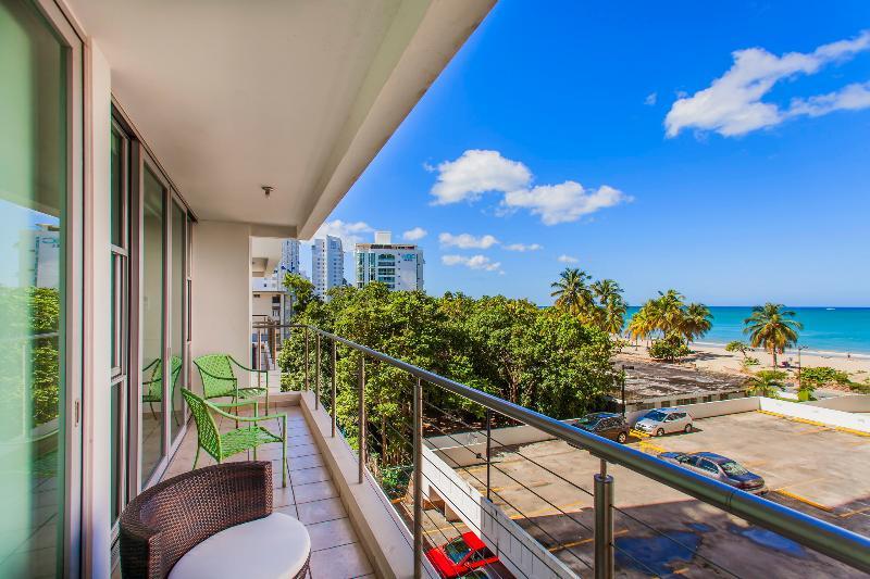 Modern 1 Bedroom Apartment Near Isla Verde Beach - Image 1 - San Juan - rentals