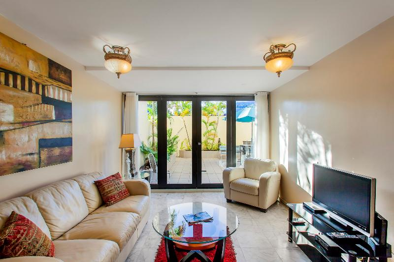 Cozy 1 Bedroom with Private Patio in Isla Verde - Image 1 - San Juan - rentals