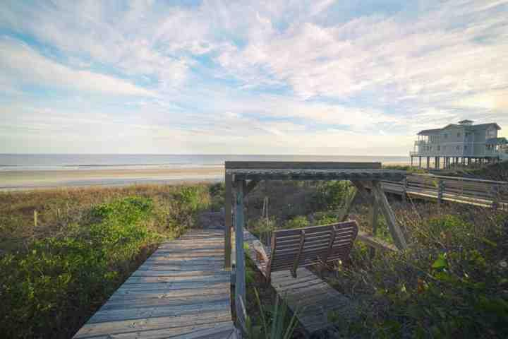 Beach View - Folly Beach 2BR/2BA Oceanfront Home-BBQ Grill-Front Row to Sunrise on Private Deck/Tiki - Folly Beach - rentals