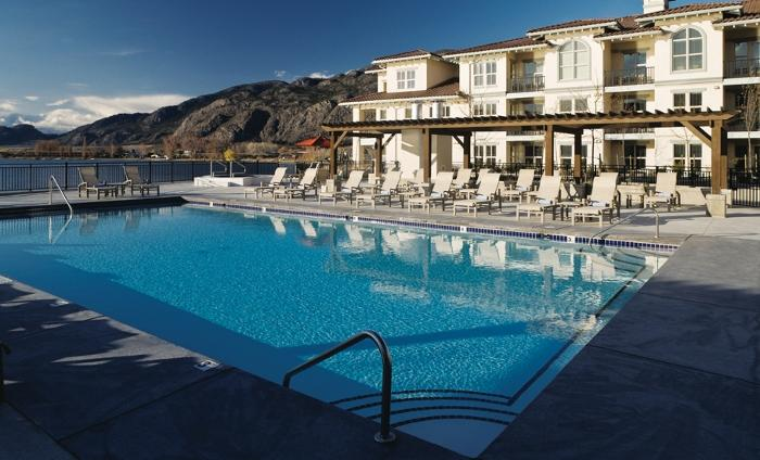 Laze in the sun by the outdoor pool - 1 Bedroom Condo: Lake View | Walnut Beach Resort, Osoyoos - Osoyoos - rentals