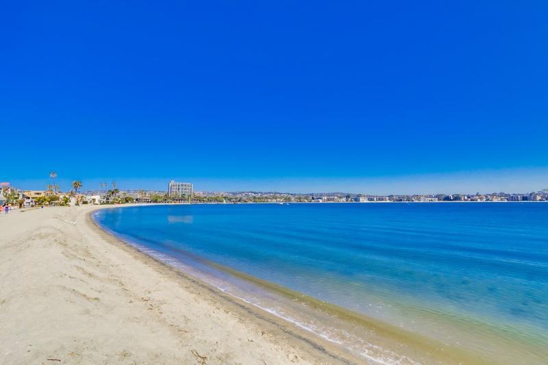 ***Cute Studio at the Beach*** - Image 1 - Pacific Beach - rentals