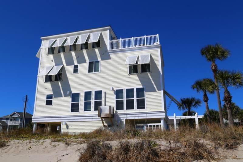 "304 Palmetto Blvd - ""Temporarily Yours"" - Image 1 - Edisto Beach - rentals"