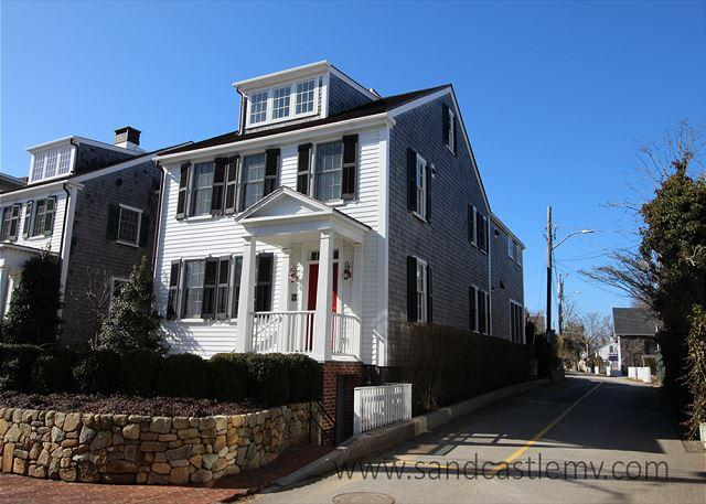 Spectacular In-Town Edgartown Home with Pool - Image 1 - Edgartown - rentals