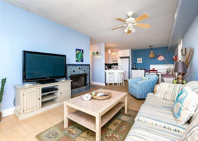 Port A Beach Club: Boardwalk to Beach, Garage, Pool, Game Room, Boat Parking - Image 1 - Port Aransas - rentals