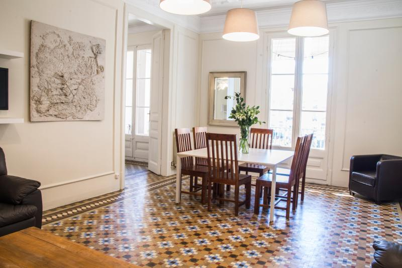 Living 1 - STAY IN BCN SUITES - Barcelona - rentals