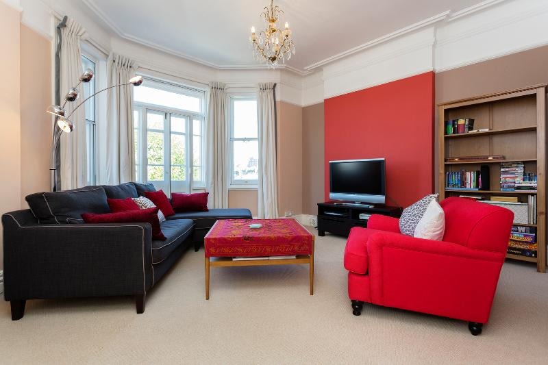 3 bed flat, Stamford Brook Avenue, Chiswick - Image 1 - London - rentals