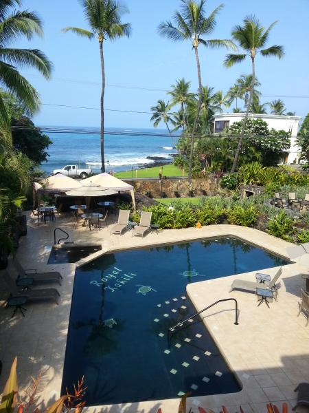 Aloha and Welcome, come enjoy the stunning ocean view and our beautiful condo! - Kailua Kona, Hawaii Amazing Ocean View - Kailua-Kona - rentals