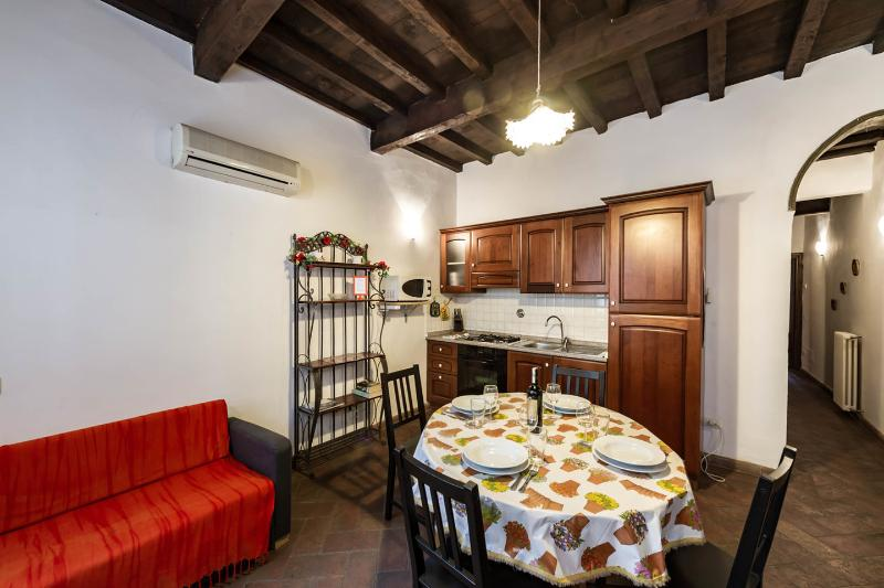 "Living Room - SAN LORENZO APARTMENT ""NEAR THE CENTRAL MARKET"" - Florence - rentals"