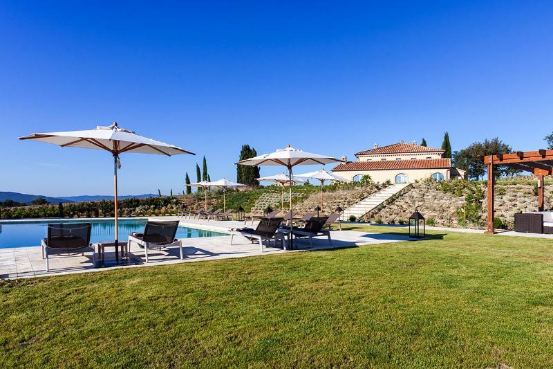 Villa San Luigi, Sleeps 14 - Image 1 - Murlo - rentals