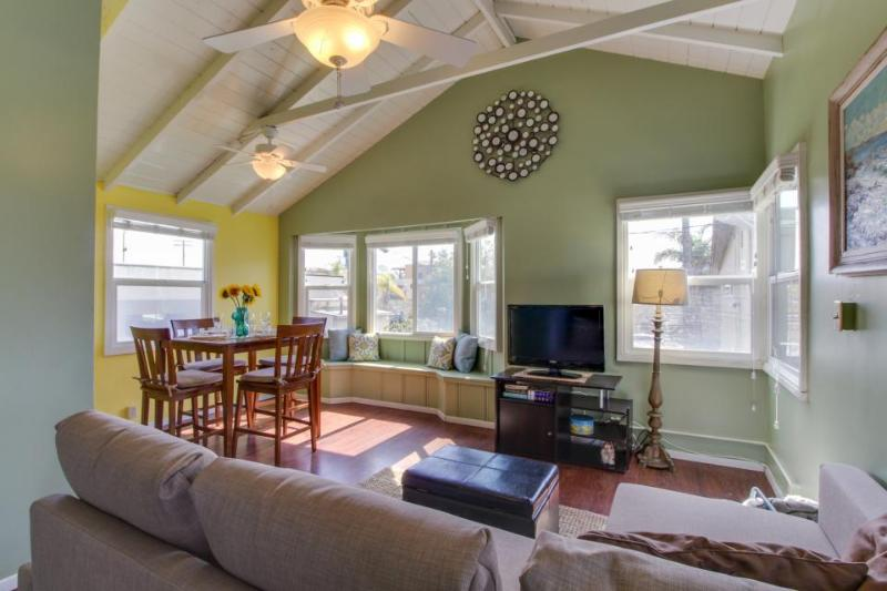 Festive, dog-friendly condo just steps from Moonlight Beach - Image 1 - Encinitas - rentals
