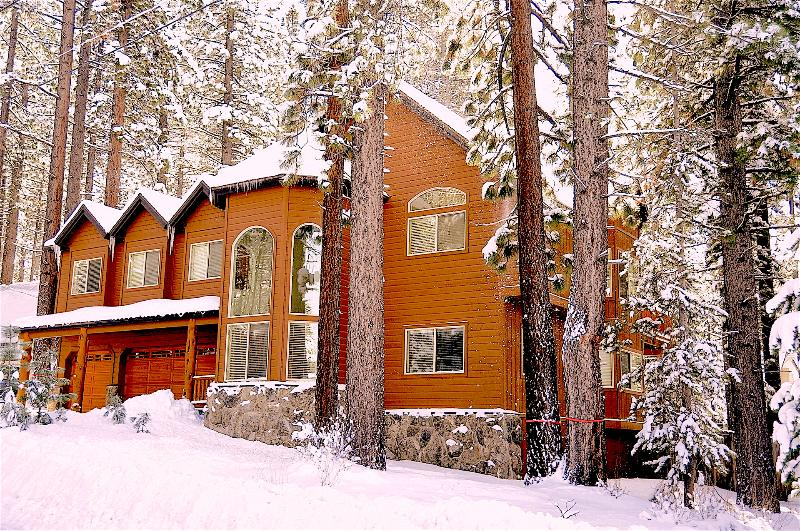 Blackfoot Chalet Front! Where family event and reunions can be celebrated here! - 6 BR Lux Chalet w/ Pool Table, Hot Tub & Jacuzzi - South Lake Tahoe - rentals