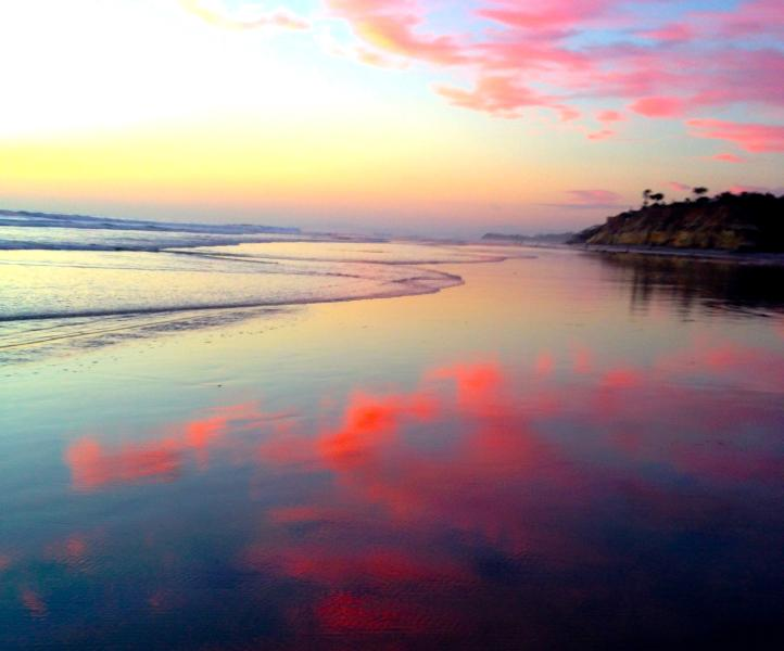 magnificent sunset colors reflected on the sand - Best Spot in Carlsbad! 2 Bedroom Pet Friendly - Carlsbad - rentals