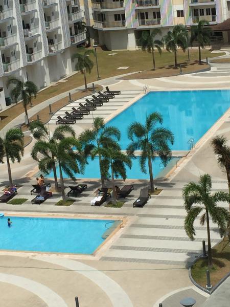 Cozy Condo w/Balcony Free Wifi - in Prime Location - Image 1 - Paranaque - rentals