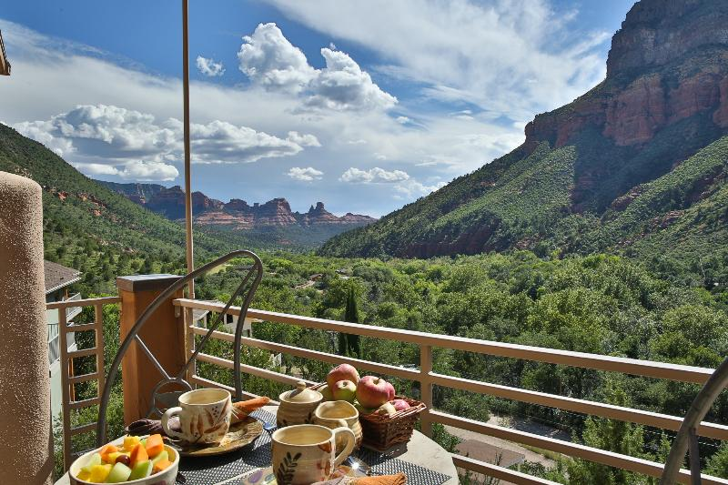 Enjoy majestic views as far as the eye can see from the Sedona Guest Villa - Sedona's #1 Permitted Vacation HOME Rental. VIEWS! - Sedona - rentals