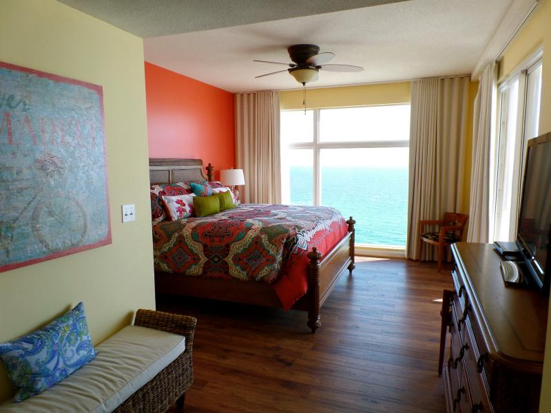 Master Bedroom #1 - Direct Gulf Front - Beautiful Views waiting on you - Panama City Beach - rentals