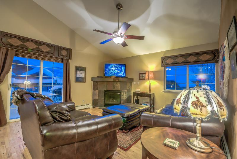 Beautiful Remodeled Unit in the Mountain V illage - Image 1 - Steamboat Springs - rentals