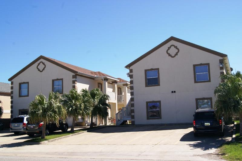 Mar y Sol - 2-3 minute walk to beach access, Pool - Image 1 - Port Isabel - rentals