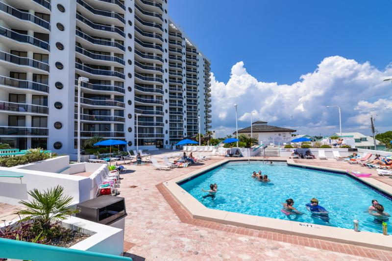 Just Steps to the Crystal Sands of the Gulf - Image 1 - Miramar Beach - rentals