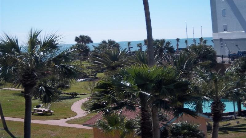 Ocean view from oversized 26 foot balcony - Iseazatt View 2 BR Ocean View Condo On Seawall Boulevard / 3 Pools, Hot Tub - Galveston - rentals