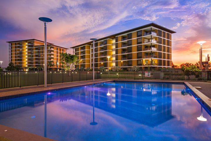 Darwin Waterfront Luxury Suites - 2 Bedroom & FREE CAR - Image 1 - Darwin - rentals