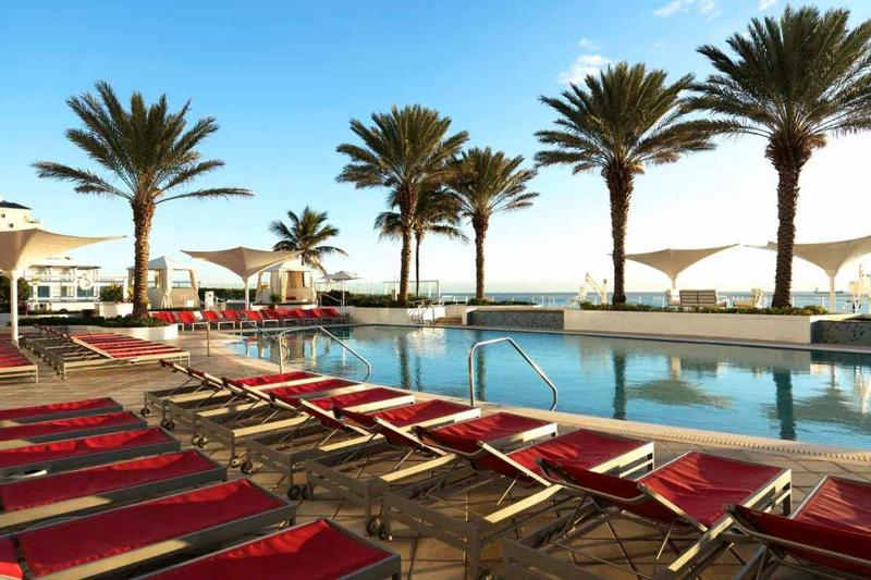 Pool - 752 Sq Ft Hilton Fort Lauderdale Beach Apartment - Fort Lauderdale - rentals