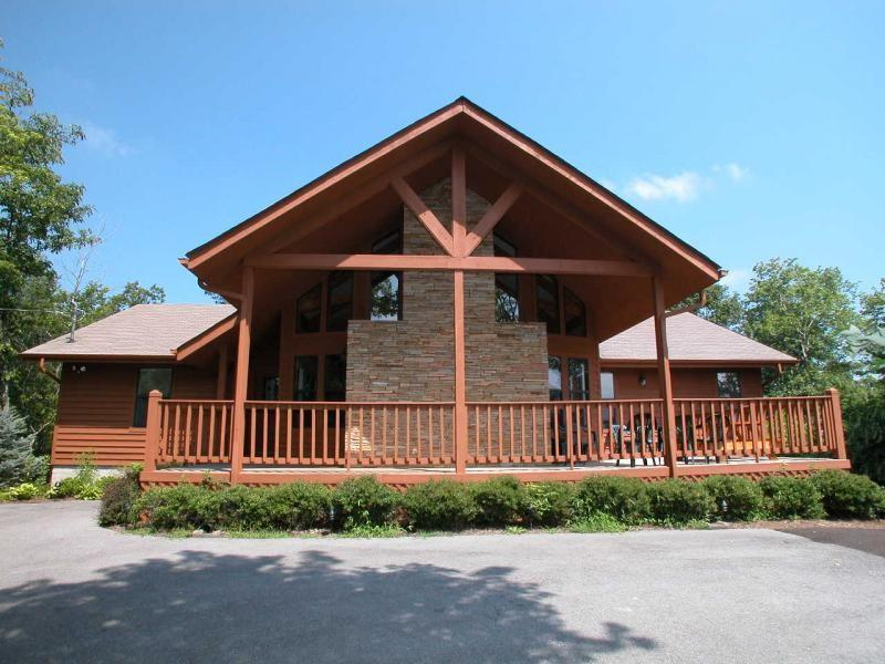 Perfect Location for Family Reunions & Retreats - Image 1 - Gatlinburg - rentals